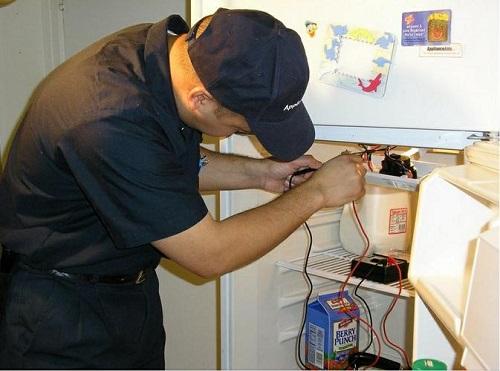 sửa tủ lạnh minh họa